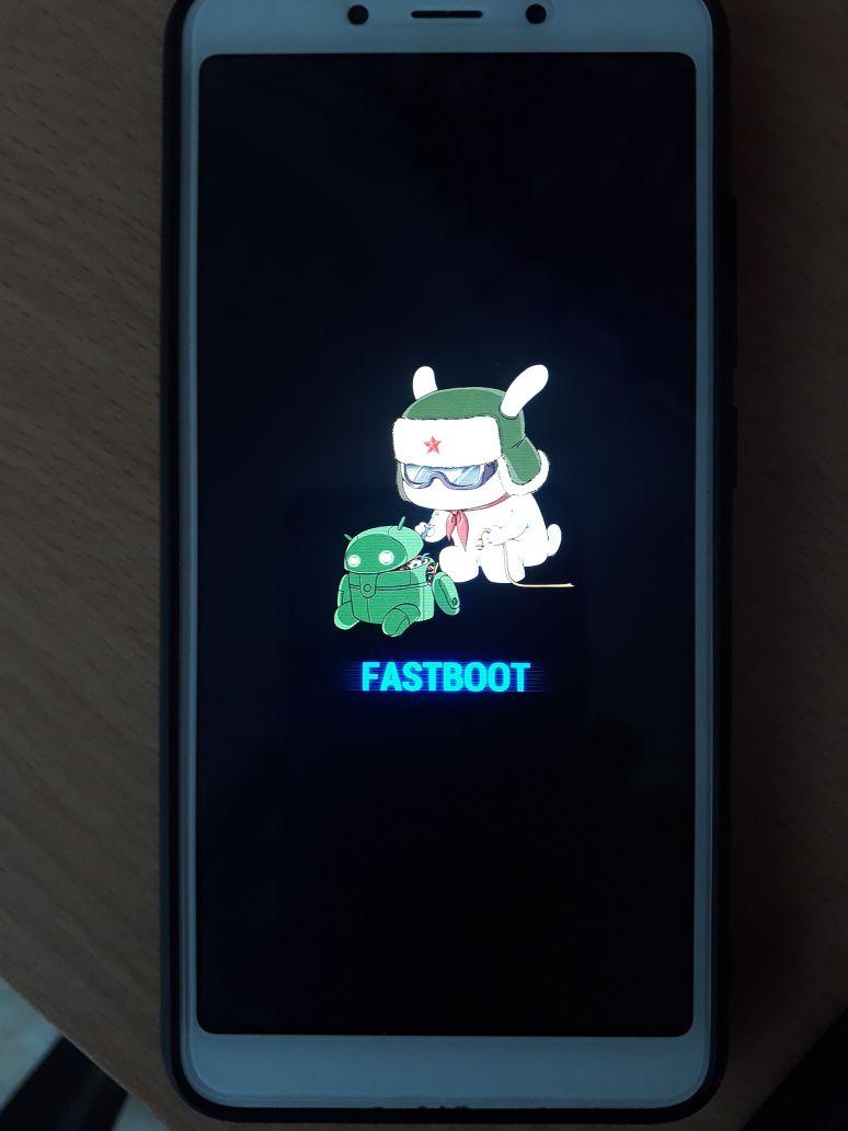 бокам телефон зависает на картинке счет своей небольшой